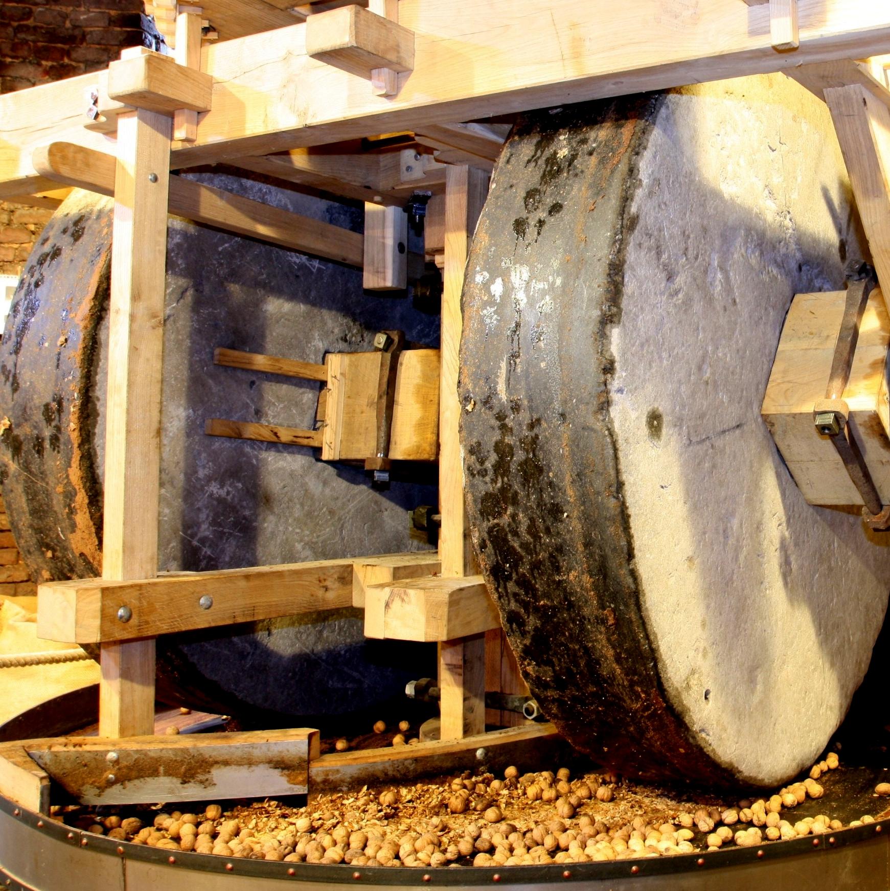 11 Molen TIC Kollergang-oliemolen Roeven